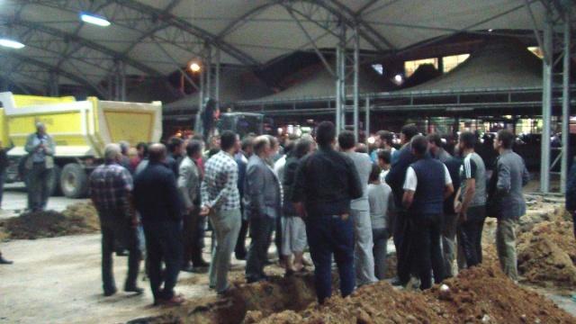 Uşak Belediyesinden Sigorta Pazarını Kaldırma girişimi pazarcıları isyan ettirdi.