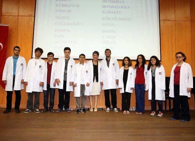 ÇÜ'de 268 Doktor Adayı Beyaz Önlüklerini Giydi