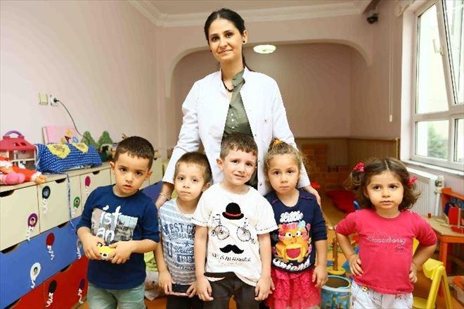 Anneler İşe Çocuklar Kreşe