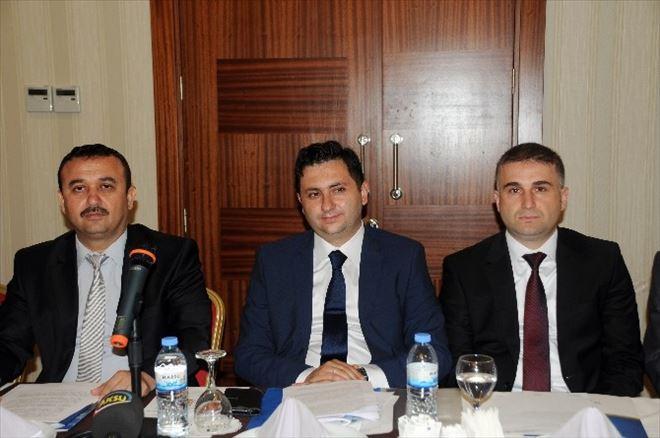 Türkiye'de 2 Kişi Bir Emekliyi Finanse Ediyor