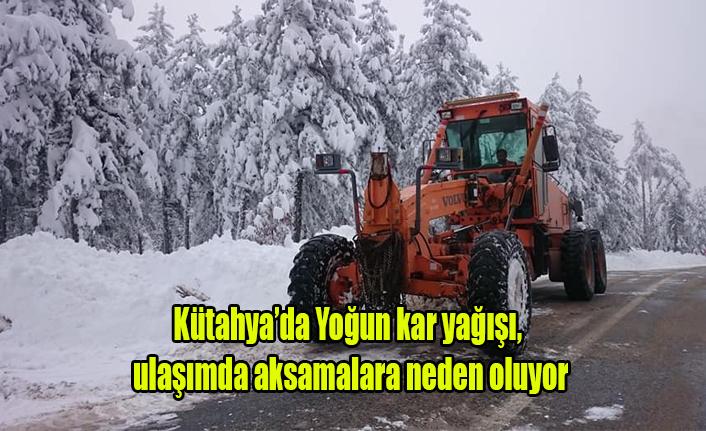 Kütahya'da Yoğun Kar Yağışı, ulaşımı Aksatıyor