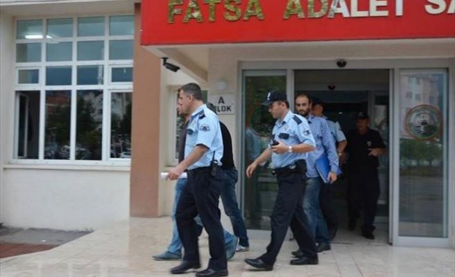 Mağazadan Kıyafet Çalan 2 Gürcü Tutuklandı