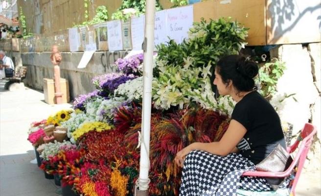 Kadıköy'de Kazada Ölen Çiçekçi Mehmet Emin Kaya Anıldı