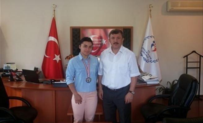 Yalova'ya Halterde İlk Türkiye Şampiyonluğunu Getirdi