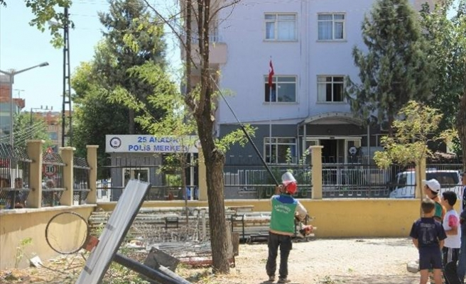 PKK'nın Saldırdığı Karakolun Etrafındaki Ağaç Dalları Kesildi