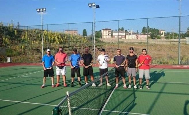 Tenis Kursuna Yoğun İlgi...