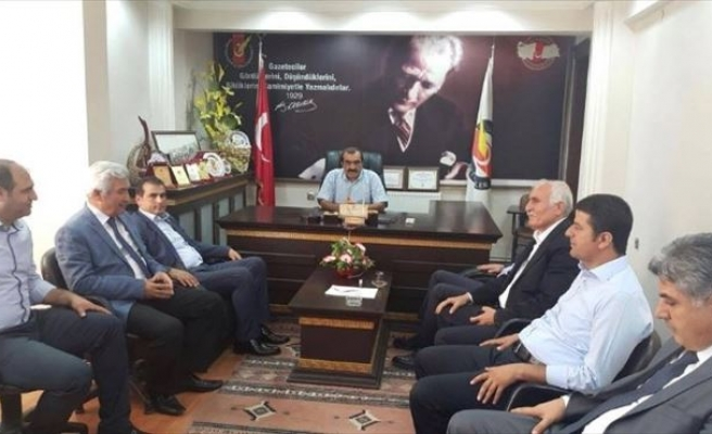CHP Milletvekilleri Gazeteciler Cemiyeti'ni Ziyaret Etti