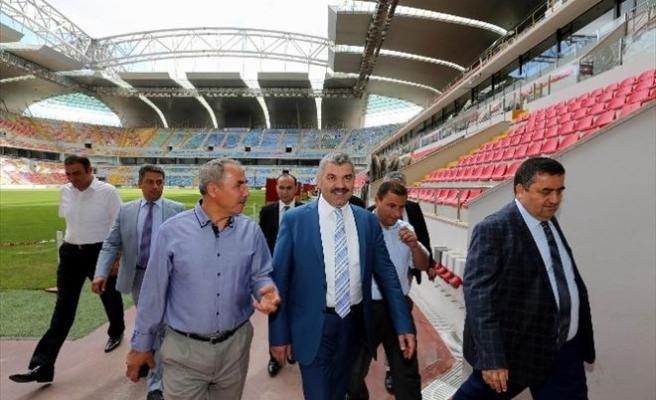 Başkan Çelik Kadir HAS Stadı'nda İncelemelerde Bulundu