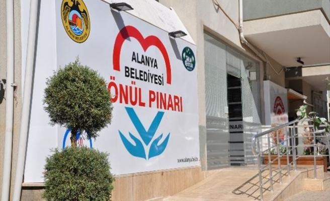 Alanya Gönül Pınarı, Bin 750 İhtiyaç Sahibini Giydirdi