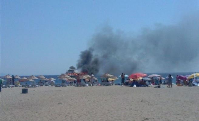 Ayvalık'ta Gezi Teknesi Alevlere Teslim Oldu