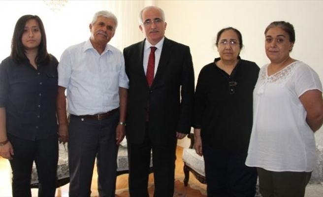 Vali Tuna, Gazi Binbaşı Demiral'ın Ailesini Ziyaret Etti