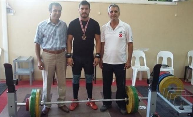 Tarsuslu Halterci Murat Yazlık Türkiye Şampiyonu Oldu