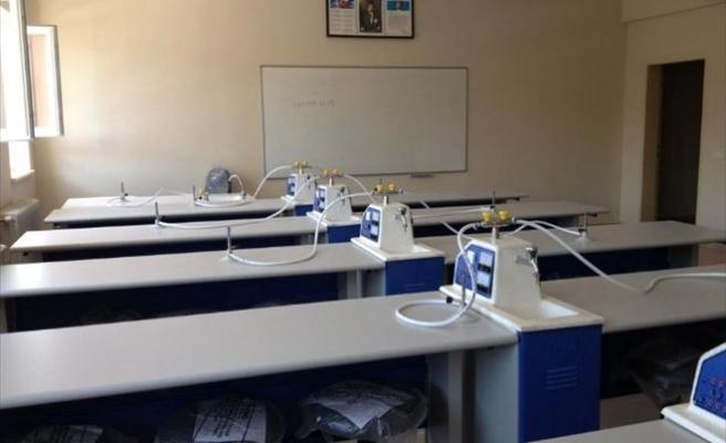 Hisarcık Anadolu Lisesi'ne Yeni Fen Bilimleri Laboratuarı