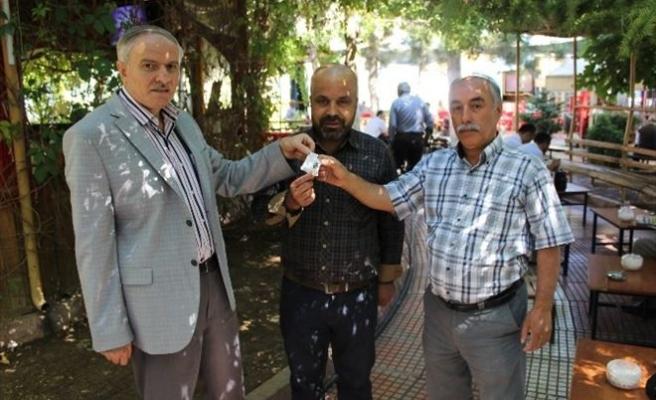 """""""Yerel Gazete Al, Altın Kazan"""" Kampanyası Ağustos Ayı Altın Ödülü Verildi"""