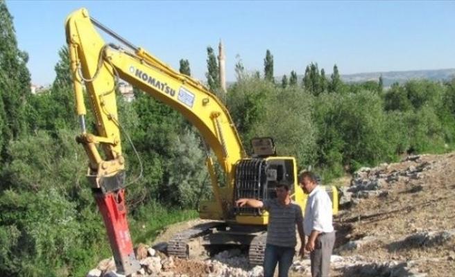 Ardıl Barajı Projesinde İletim Hattı Döşemesi Başladı