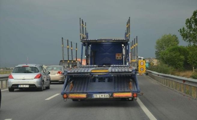 Bursa İzmir Karayolundaki Çalışma Tatilcileri Bezdirdi