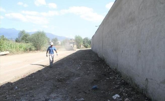Akyazı'da Temizlik, Bakım Ve Onarım Çalışmaları Devam Ediyor