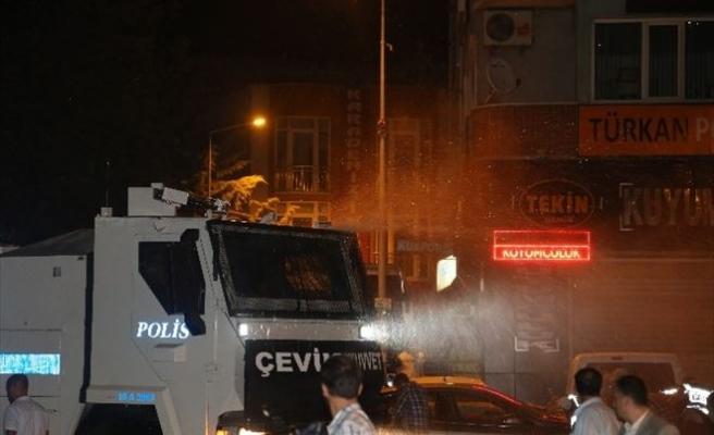 Bursa'da Gerginlik Bu Gece De Sürdü