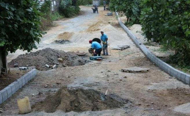 Akçakoca'da Santral Caddesi Ve Uysal Sokakta Yol Çalışmalarına Başlandı