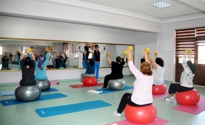 Mamaklı Kadınlar Sporla Formda Kalıyor