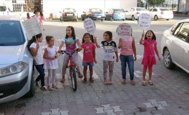 Küçük Çocuklardan Şehitlere Saygı
