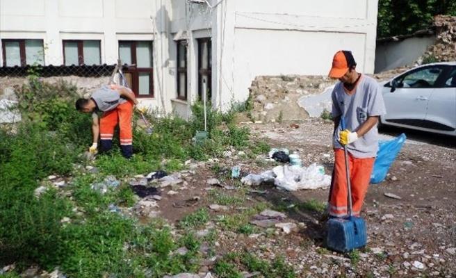 İzmit Belediyesi'nden Çöp Uyarısı