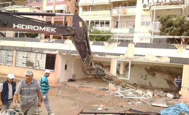 Eski Yelken Kulübü Binası Yıkıldı