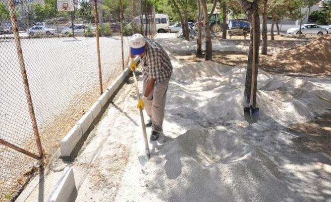 Karaman Belediyesinin Park Düzenleme Çalışmaları Sürüyor