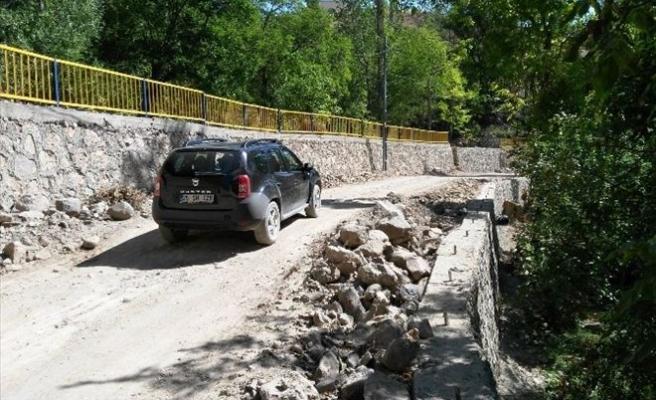 Tortumlu Vatandaşlar Köy Yollarının Asfaltlanması Talebinde Bulundular