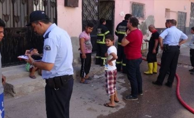 Aksaray'da Odunlukta Çıkan Yangın Korkuttu