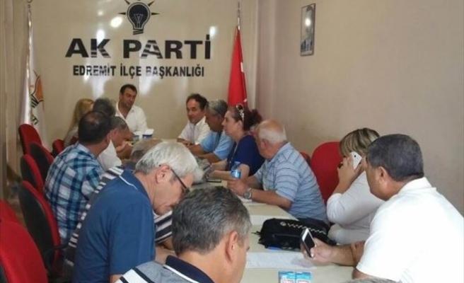 Edremit'te AK Parti Muhtarlarla Bir Araya Geldi
