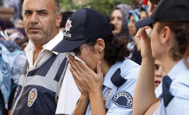 Şehit Polis Gül Suyu Ve Dualarla Son Yolculuğuna Uğurlandı