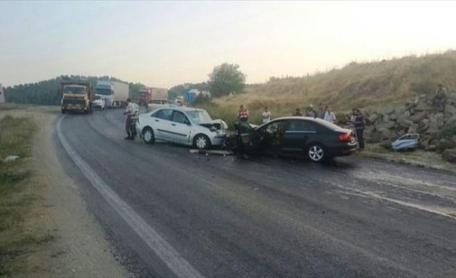 Sarıgöl'de Trafik Kazası: 1 Ölü, 5 Yaralı