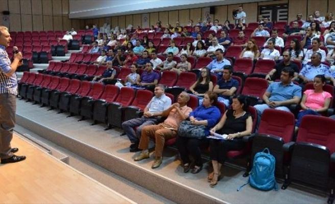 Muratpaşa Belediye Personeli Ayrımcılığa Karşı Eğitim Alıyor