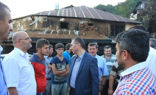 AK Partili Heyet Yangın Çıkan Köyde İncelemelerde Bulundu