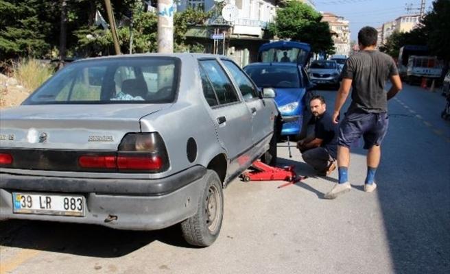 30 Aracın Lastiklerini Patlattılar