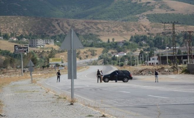 Tatvan - Van Karayolu Patlayıcılar Nedeniyle Kapatıldı