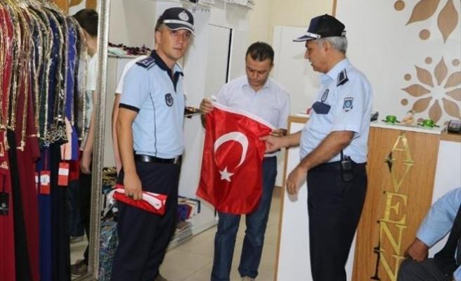 Kırıkkale'de Tüm Esnafa Bayrak Dağıtıldı