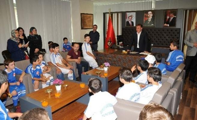 Gümüşhane Belediyesinin Yaz Futbol Okulu Sona Erdi