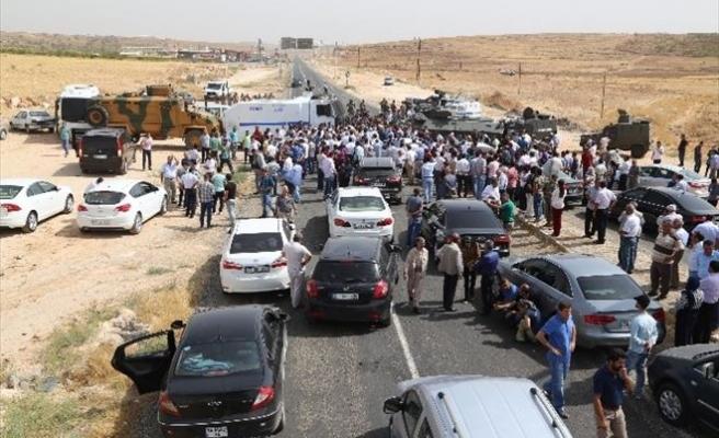 HDP'liler İdil'e Giriş Yaptı