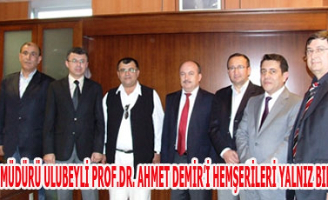 İSKİ GENEL MÜDÜRÜ ULUBEYLİ PROF.DR. AHMET DEMİR'İ HEMŞERİLERİ YALNIZ BIRAKMIYOR