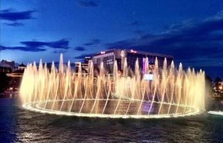 İsmetpaşa Caddesi'ne Işıklı Havuz