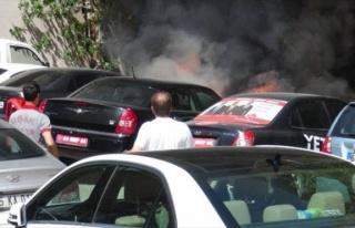 MHP Mitingi Sırasından Adayın Aracı Yandı