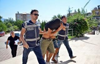 Demre'de Eroin Satıcılarına Suçüstü