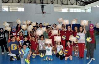 Yaz Spor Okulları Öğrencileri Belgelerini Aldı