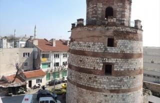 'Makedon Kulesi' İle 'Eski Vali Konağı'...