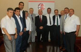 Türk-iş'in Sendika Başkanları Vali Tuna'yı...