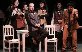 Şehir Tiyatroları Sanatçılarına 3 Kurumdan Ödül