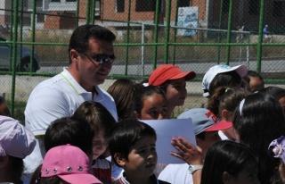 Yaz Spor Okullarına Katılan Öğrencilere Sertifikaları...