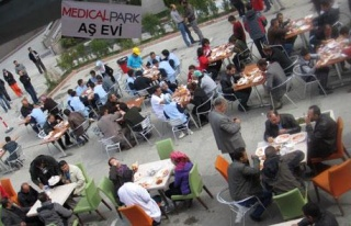 MEDİCAL PARK DEPREMZEDELERİN YANINDA